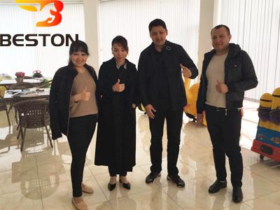 Клиенты в выставочном зале Beston Узбекистана