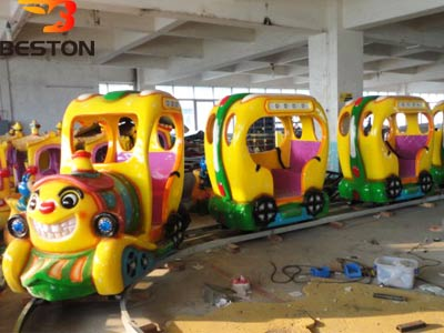 Аттракцион веселый паровозик для детей